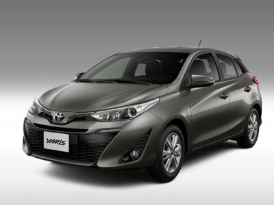 Toyota Yaris Marron
